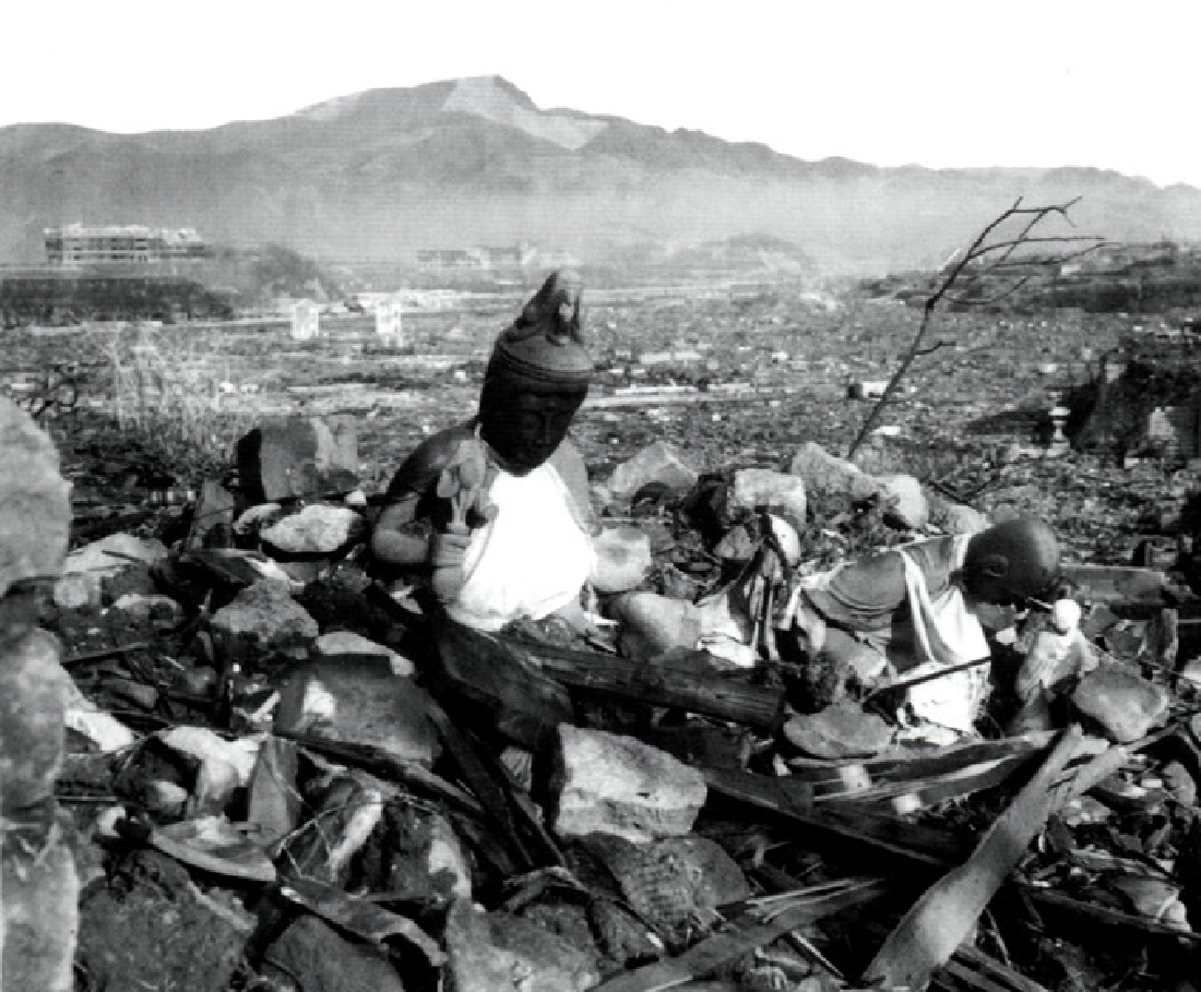 atom history essay History essays - atomic bomb - the united states' rightful decision to drop the atomic bomb on hiroshima and nagasaki was a military measure calculated to speed the.